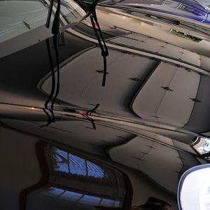 Porsche Mirror shine on the hood